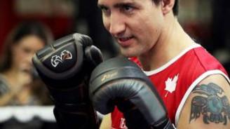 Başbakan boks ringinde