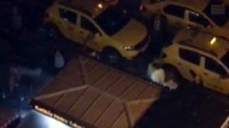 Kadıköy'de taksicilerle dolmuşçuların silahlı kavgası kamerada