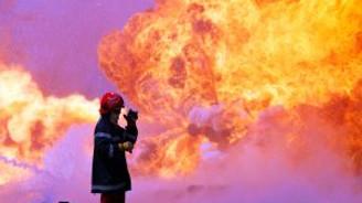 Petrol kuyularındaki yangın söndürülemiyor