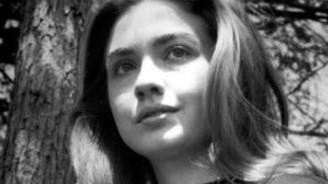 Hillary Clinton'un öğrencilik fotoğrafları yayınlandı!