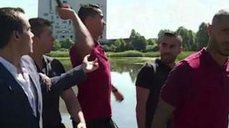 Ronaldo muhabirin mikrofonunu göle fırlattı!