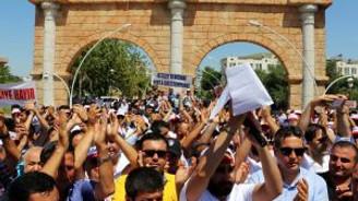 Antalya'da esnaf kepenk kapattı!