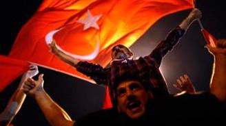 Taksim'de darbe protestosu