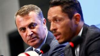 Adriano resmen Beşiktaş'ta!