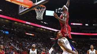 NBA tarihinin en iyi smaçları dudak uçuklatıyor