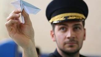 Kağıttan uçaklar yarıştı