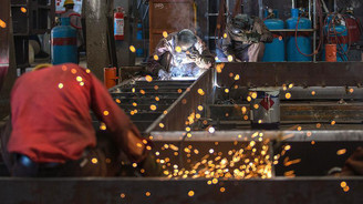 Ekonomistler sanayi üretimini değerlendirdi