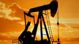 Putin, petrolü yılın zirvesine taşıdı