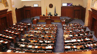 Makedonya'da meclis feshedildi
