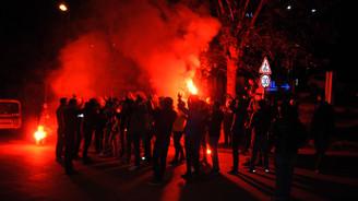 Fenerbahçe taraftarından protesto