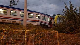 Sapanca'da yük ve yolcu trenleri çarpıştı
