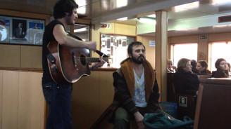 Şehir Hatları, yolcularını müzikle taşıyor