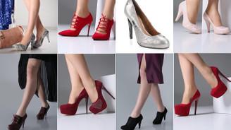 Avrupalı kadın düz, Ortadoğulu renkli ayakkabı giyiyor