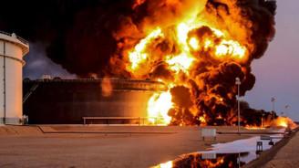 DEAŞ Musul petrolünü yakıyor