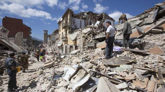 İtalya'da art arda deprem