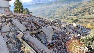 İtalya'da korkutan deprem