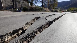 İtalya'da deprem korkuttu