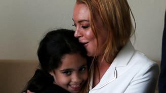Lindsay Lohan'dan Suriyeli aileye ziyaret