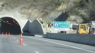TEM'in İstanbul istikametinde onarım çalışması
