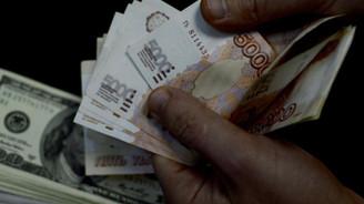 Rus rublesi son 3 ayın en düşüğünde