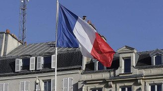 Fransa'da seçimler olağanüstü hal altında yapacak