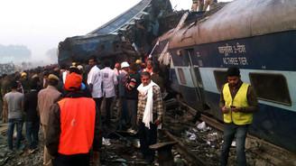 Hindistan'da tren kazası: 112 ölü