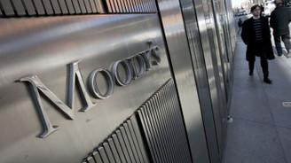 Moody's Yunan bankacılık sisteminin görünümünü düzeltti