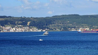 Çanakkale Boğazı'nda iki gemi çarpıştı
