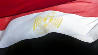 Mısır para birimini dalgalanmaya bıraktı