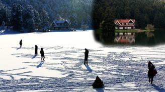 Doğa harikası göl de dondu