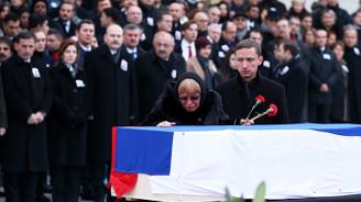 Karlov devlet töreniyle uğurlandı