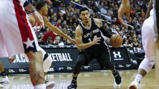 Spurs, Rockets'a 'dur' dedi