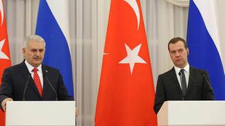 Başbakan Yıldırım'dan Medvedev'e başsağlığı telefonu