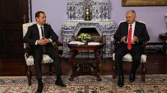 Yıldırım, Rusya'da Medvedev ile görüştü