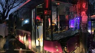 İETT otobüsü kaza yaptı: 5 yaralı