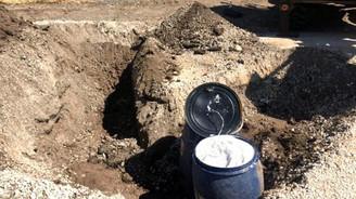 Eker'in aile mezarlığına patlayıcı tuzaklamışlar
