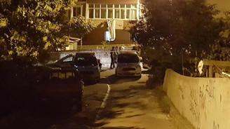 Ümraniye'de 1 çocuk evinin bahçesinde oynarken vuruldu