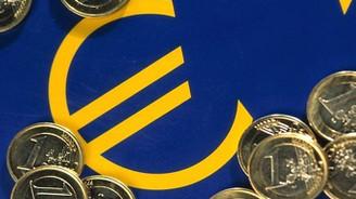 Euro Bölgesi'nde yıllık enflasyon yerinde saydı