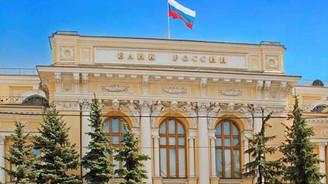 Rusya MB faizi yarım puan indirdi