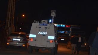 Zırhlı polis aracına roketli saldırı
