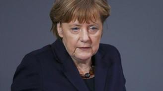 Merkel'den Türk turizmcilere 'pozitif mesaj'