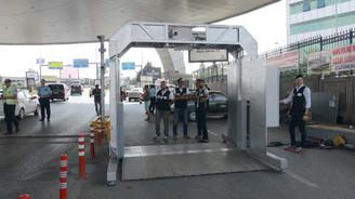 Atatürk Havalimanı'ndaki kuyruk kısmen azaldı