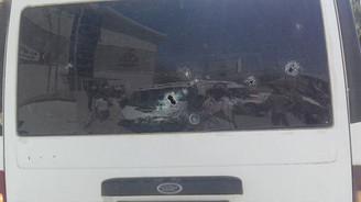 Jandarmaya malzeme götüren minibüse saldırı
