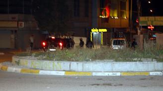 AK Parti il binası önündeki polis noktasına saldırı
