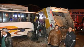 Adana'da trafik kazası: 15 yaralı