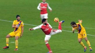 Giroud'dan yıllarca konuşulacak gol