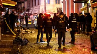 Beyoğlu'nda silahlı kavga: 1 polis yaralandı