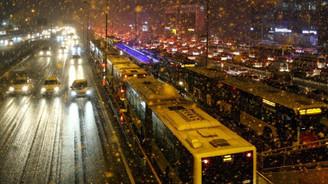 Avrasya Tüneli, Marmaray ve metro seferleri uzatıldı
