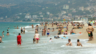 Antalya yılı 4 milyon Rus turistle kapatmak istiyor