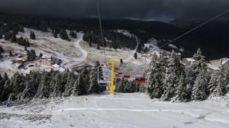 Uludağ'a sezonun ilk karı düştü